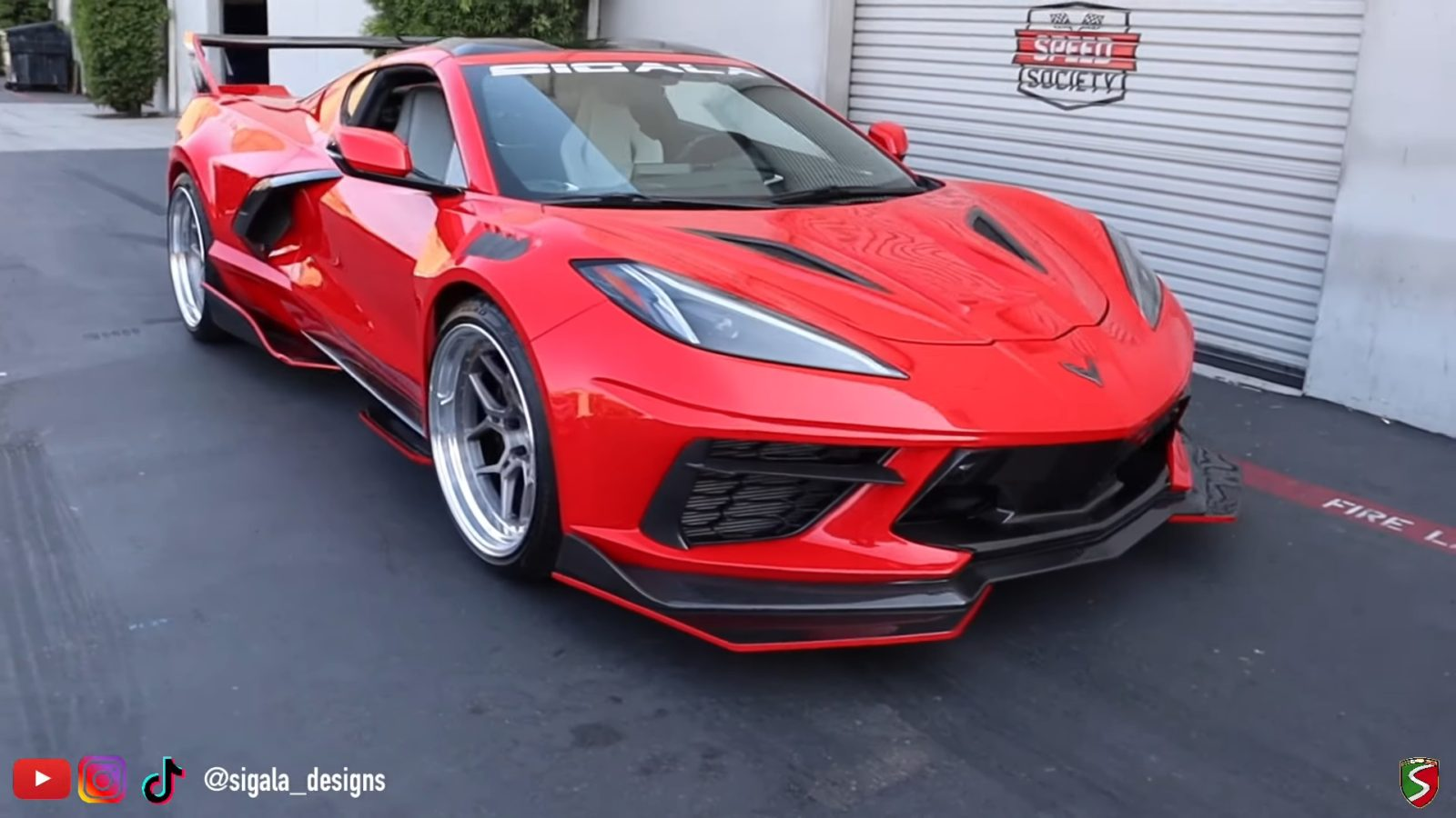 this-c8-corvette-widebody-kit-looks-crazy,-sigala-designs-c8rr-costs-$14,995