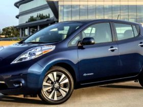 watch-this-quiet-and-slow-race-between-the-chevy-spark-and-the-nissan-leaf