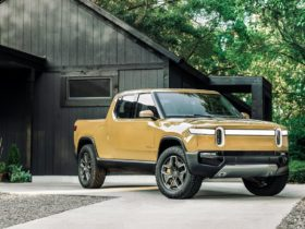 rivian-delays-first-electric-r1t-and-r1s-shipments-to-september