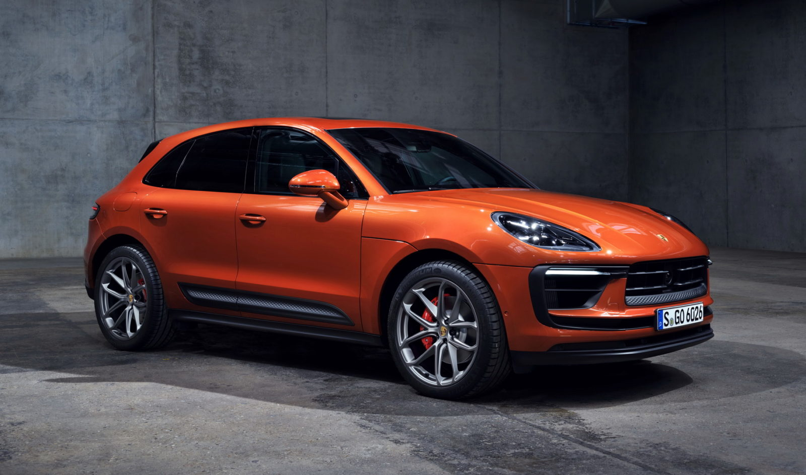 2022-porsche-macan-facelift-breaks-cover-with-sharper-looks-and-$54,900-tag