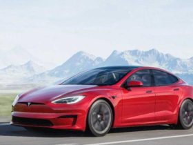 tesla-will-teach-its-electric-cars-to-shift-gears-on-their-own