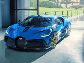 final-bugatti-divo-gets-painted-in-50-shades-of-blue