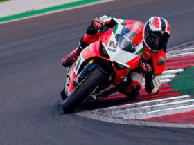 ducati-panigale-v2-bayliss-1st-championship-20th-anniversary-honors-a-legend