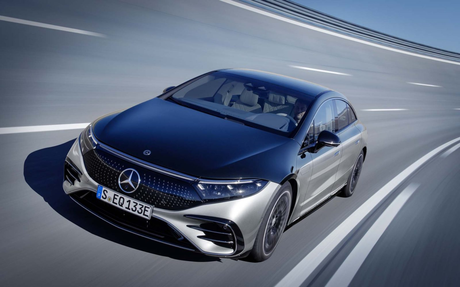 mercedes-benz-headlines-a-dozen-automakers-committed-to-electric-vehicle-futures