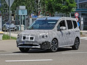2022-mercedes-t-class-caught-undergoing-tests,-still-mostly-just-a-renault-kango