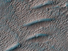 mars-looks-like-it's-infested-with-shai-hulud-sandworms-in-this-amazing-photo