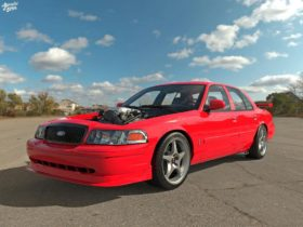ford-crown-victoria-virtually-adopts-the-2000-mustang-svt-cobra-r-credentials