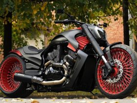 red-and-black-were-born-to-dress-this-harley-davidson-v-rod