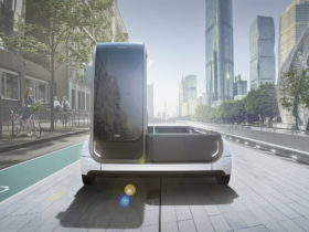 lincs-electric-multipurpose-van-has-a-modular-design,-can-connect-to-other-lincs