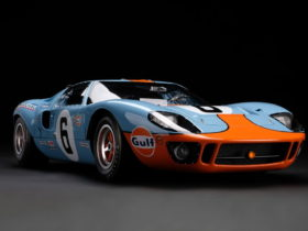 1969-le-mans-ford-gt40-replica-is-off-the-charts,-limited-edition-selling-fast