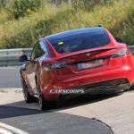 tesla-model-s-plaid-is-being-tested-at-the-nurburgring-with-two-different-types-of-steering-wheel