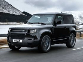 2023-land-rover-defender-svr-rumored-with-bmw-twin-turbo-v8-engine