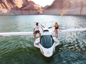 enjoy-adventure-flying-with-the-amphibious-icon-a5-–-comes-with-its-own-trailer