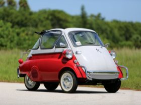 the-isetta-story:-how-an-italian-designed-microcar-saved-bmw-from-bankruptcy