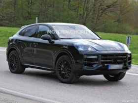 2023-porsche-cayenne-coupe-spy-shots-and-video:-major-changes-pegged-for-mid-cycle-refresh