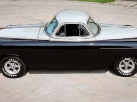 bizarre-1953-chevrolet-bel-air-has-two-front-ends,-two-steering-wheels