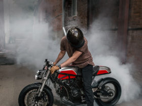 behold-a-bonkers-ducati-900ss-that's-been-customized-in-the-russian-federation