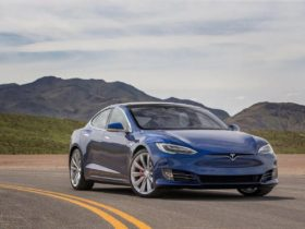 tesla-first-earned-money-on-the-sale-of-electric-vehicles