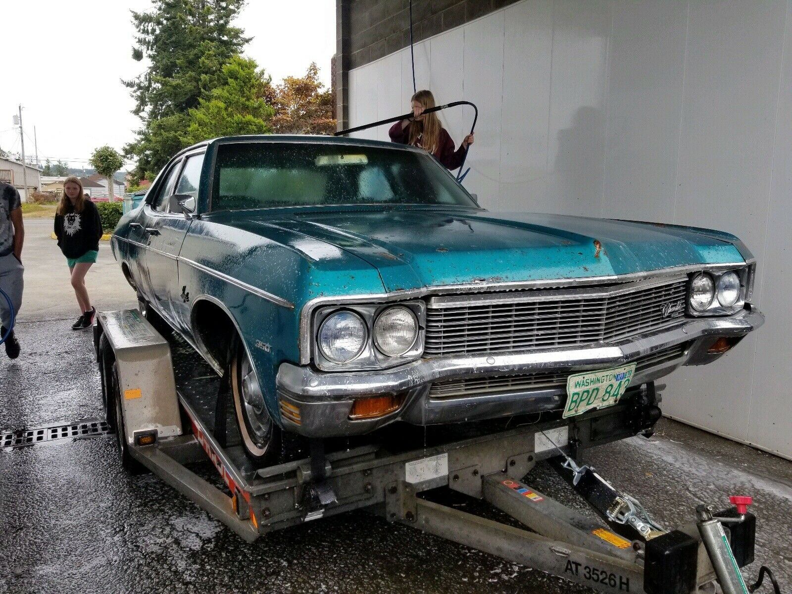 1970-chevrolet-impala-real-barn-find-hides-good-news-under-the-hood