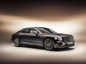 bentley-flying-spur-hybrid-odyssean-is-a-mouthful,-a-sign-of-things-to-come