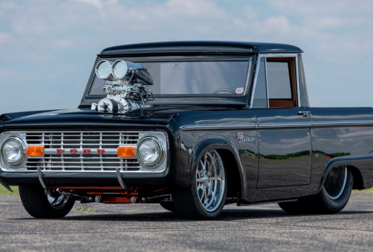 slammed-classic-ford-bronco-with-big-v8-could-command-a-hefty-premium-at-auction