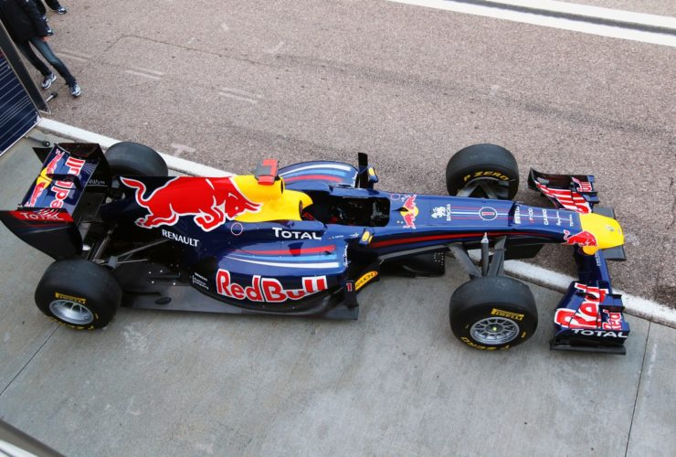 what-does-it-take-to-beat-a-formula-1-car-in-drag-racing?