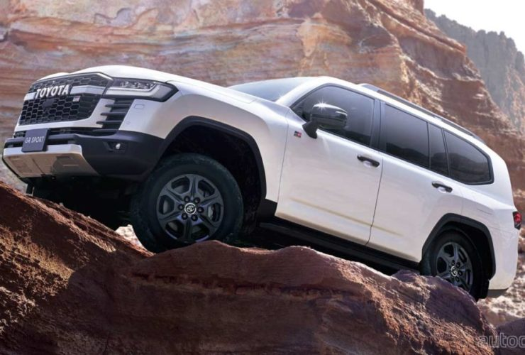 new-toyota-land-cruiser-launched-in-japan