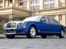 five-unused-and-unregistered-bentley-mulsanne-limousines-by-mulliner-built-in-2015-now-offered-for-sale