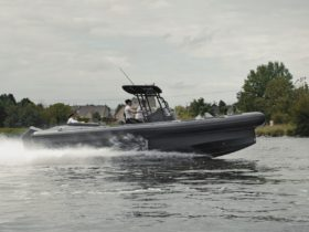 the-iguana-pro-rider-amphibious-speedboat-is-(almost)-here