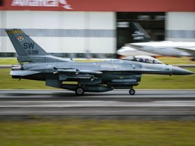 f-16-fighting-falcon-taking-off-makes-colombian-afb-look-like-a-blur