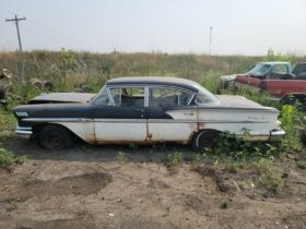 1958-chevrolet-bel-air-rotting-away-in-a-yard-is-ready-to-go-for-pocket-money