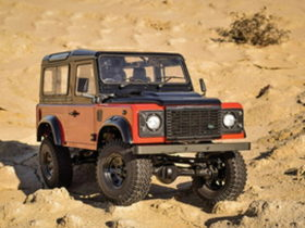 this-land-rover-defender-autobiography-rc-model-looks-so-real,-it's-scary