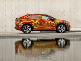 volkswagen-provides-first-look-at-its-first-e-suv-coupe-–-the-id.5-gtx