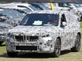prototypes-of-the-new-bmw-x1-2023-show-their-production-headlights