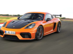 2022-porsche-cayman-gt4-rs-rendered,-looks-ready-to-hit-the-track