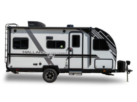 mallard-pathfinder-travel-trailer-surprises-with-extensive-features-and-price