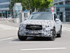 2022-mercedes-benz-glc-spied-with-evolutionary-design-cues