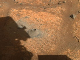nasa-car-sized-rover-digs-a-hole-on-mars,-doesn't-go-as-planned