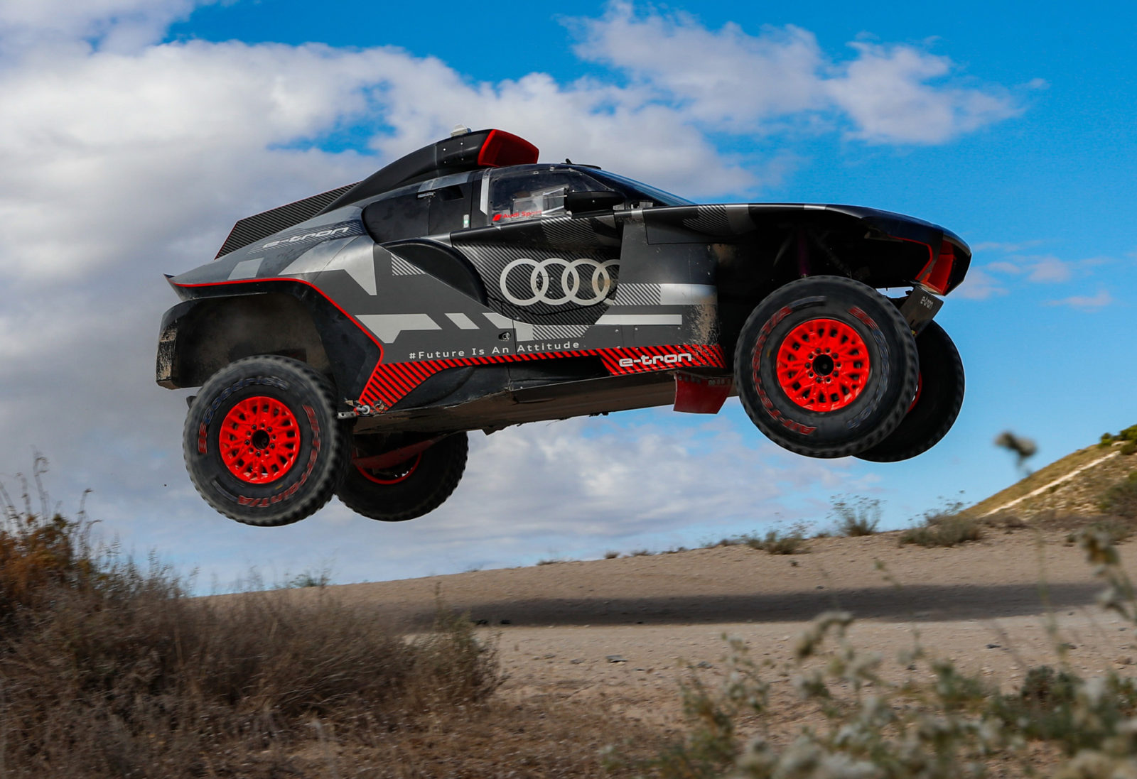 audi-signs-off-on-rs-q-e-tron-hot-weather-testing