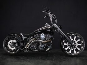 american-harley-davidson-rocker-gets-remade-in-japan-as-a-tribute-to-france