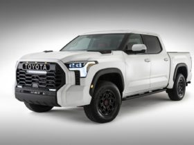 redesigned-2022-toyota-tundra-teases-a-modern-truck