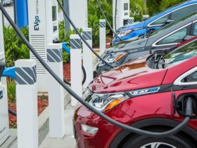 us.-ev-tax-credits-may-go-to-$40,000-evs-for-those-making-less-than-$100,000