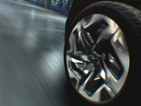 chevrolet-silverado-electric-pickup-will-feature-four-wheel-steering