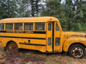 abandoned-church-bus-getting-its-first-wash-in-25-years-is-incredibly-satisfying