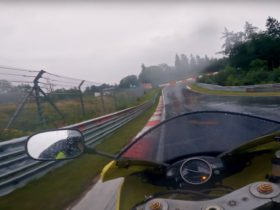 guy-does-nurburgring-lap-in-under-10-minutes-on-a-yamaha-r1,-in-heavy-rain