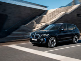 bmw-introduced-the-updated-crossover-bmw-ix3