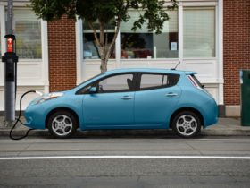 kansas-city-will-have-ev-chargers-on-light-poles-through-pilot-project