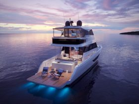 maritimo-m60-flybridge-yacht-is-all-about-chilling-at-anchor,-away-from-land