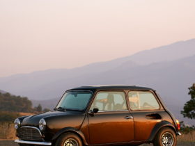 spectre-type-10-is-a-classic-mini-restomod-with-a-powerful-honda-heart