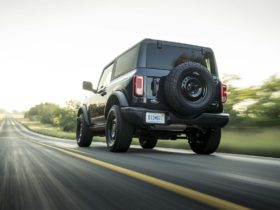 ford-bronco-roofs-replaced-due-to-quality-issues,-remaining-2021-orders-converted-to-2022-models